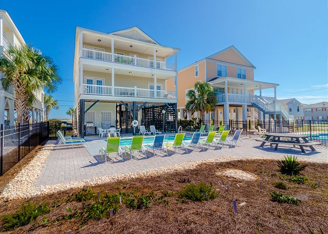 Pet friendly beach house in garden city beach